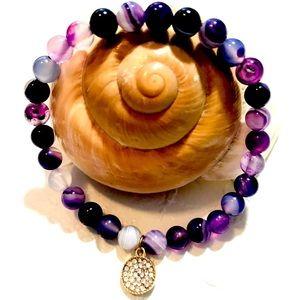 Jewelry - Stunning amethyst color glass bead bracelet NWOT